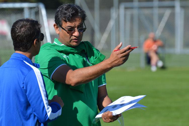 Sporting CP:n pelaajatarkkailijat osallistuvat karsintaleirille ja valitsevat jopa 8 pelaajaa jotka pääsevät try-out viikolle Sporting Akatemiaan